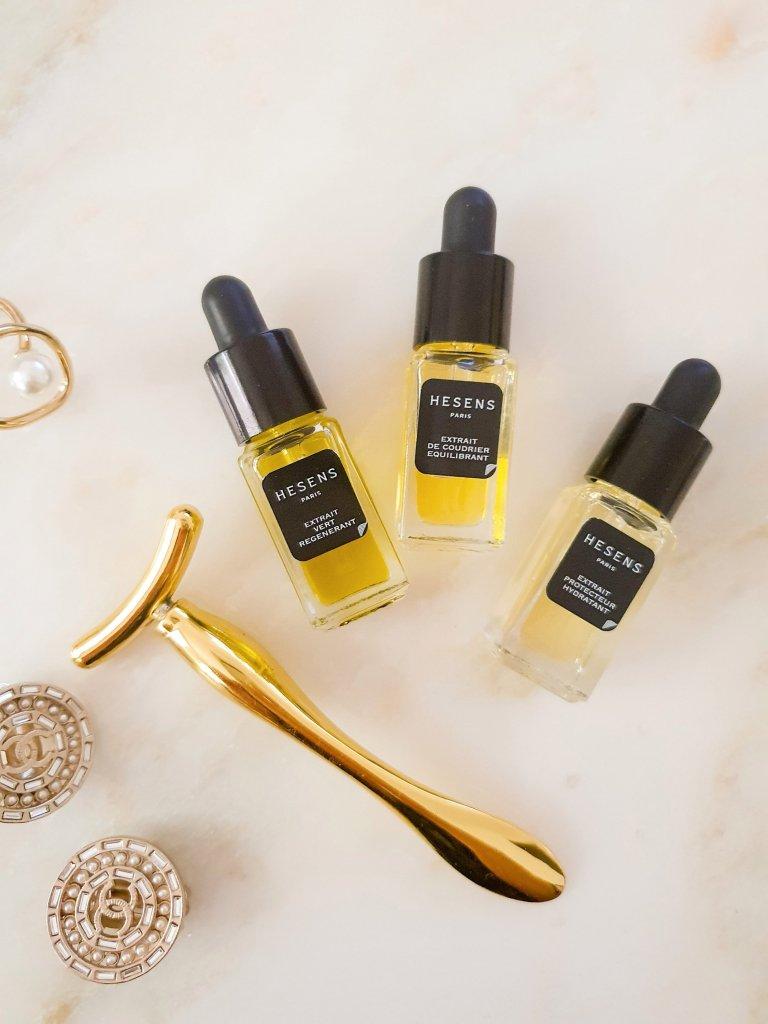 Trois flacons d'huile cosmétique extra fraiche Hesens
